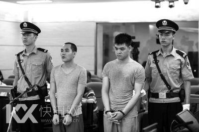昨天,邓氏叔侄在西城法院当庭受审。京华时报记者