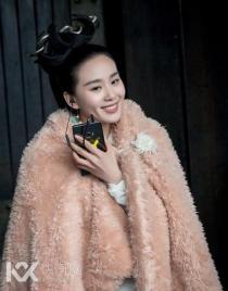 刘诗诗30岁生日在剧组庆祝,这样的她好美!