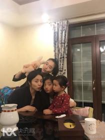 黄磊一家做美食招待左小青 多多和妹妹温馨出镜
