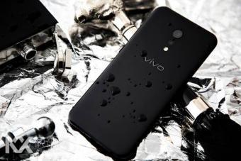 黑色轻奢质感 vivo Xplay6磨砂黑惊艳亮相