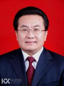 西藏工作12年 邓小刚履新四川最年轻常委